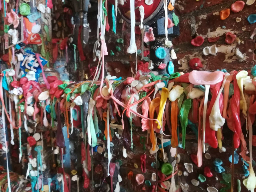 visiter Seattle - gum wall 2
