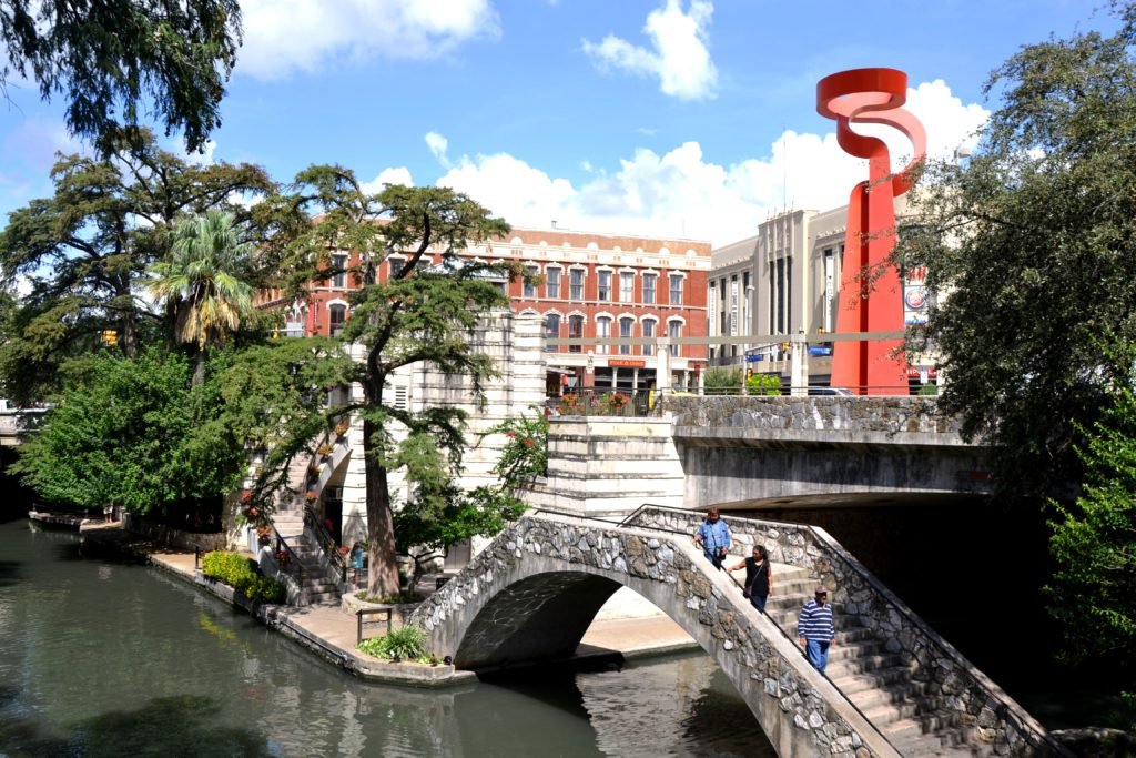 Visiter San Antonio - San Anotnio river texas usa normands voyageurs riverwalk bridge
